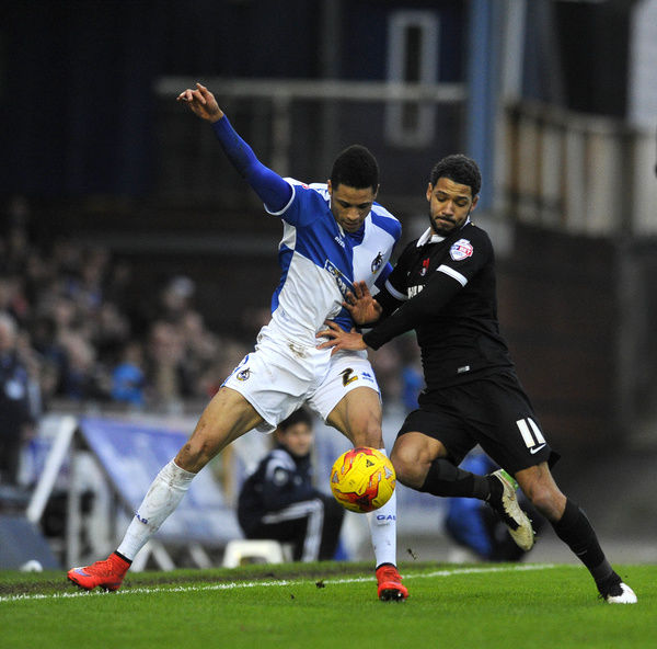 Jobi McAnuff of Leyton Orient jostles for the ball with Daniel Leadbitter of Bristol Rovers - Mandatory byline: Dougie Allward/JMP - - 28/12/2015 - FOOTBALL - Memorial Stadium - Bristol, England - Bristol Rovers v Leyton Orient - Sky Bet League Two